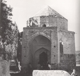 Mausoleum of Imam Mustansir bi'llah (Shah Qalandar) at Anjundan. (Image: The Ismailis: An Illustrated History)