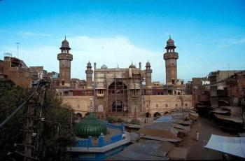 Wazir Khan Mosque Restoration in Lahore, Pakistan (Image Credit: Aga Khan Trust for Culture via Archnet)