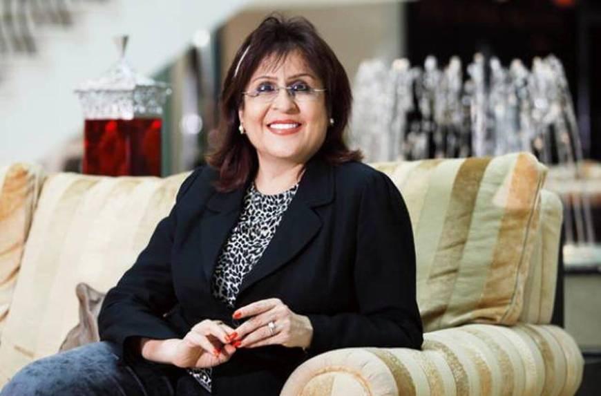 Dubai Holiday Inn CEO Roxana Jaffer receives Women Leadership Achievement Award 2015