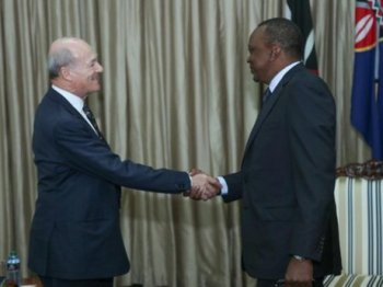 Kenyan President Uhuru Kenyatta holds talks with Prince Amyn Aga Khan