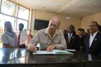 Prince Amyn Aga Khan pays tribute to Genocide victims in Kigali, Rwanda