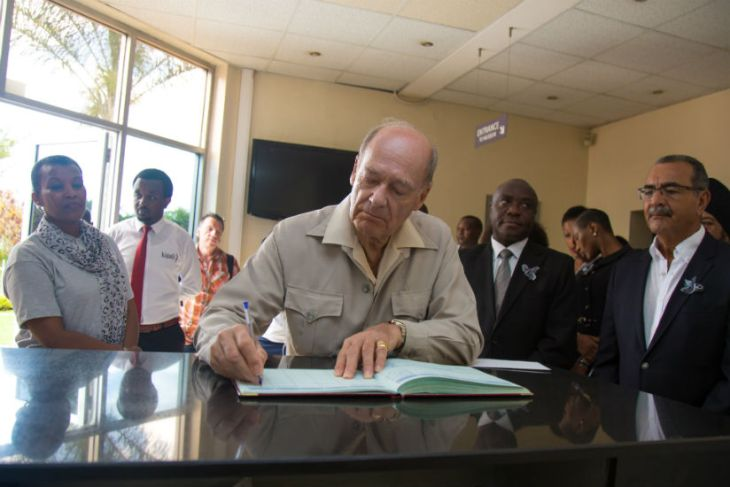 Prince Amyn Aga Khan pays tribute to Genocide victims in Kigali, Rwanda