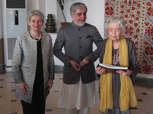 UNESCO Director-General Irina Bokova, Chief Executive of Afghanistan, Dr. Abdullah Abdullah, and the Director of the Afghanistan Center at Kabul University, Nancy Dupree. (Image credit: UNESCO)