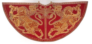 Coronation mantle Roger II, Palermo, 1133-4, Vienna Kunsthistorisches Museum. Image: Jonathan Bloom, Arts of the City Victorious