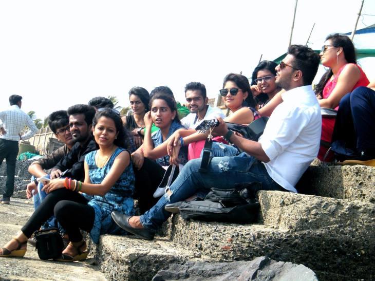 """Rahim Nasirkhan's: """"Ekatra"""" - A Theme Anthem for Laxmi Vidyapeeth College"""