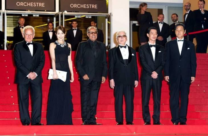 "Cannes Film Festival: On the red carpet, Karmitz, Rin Takanashi, Abbas Kiarostami, Tadashi Okuno and Ryô Kase, prepare to watch ""Like Someone in Love"" (2012) by Abbas Kiarostami. (image via 20 Minutes)"