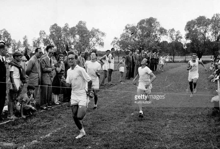 1st August 1953: Prince Amyn Aga Khan about to break the tape in a race at Le Rosey, Switzerland. (Photo by Kurt Hutton/Picture Post/Getty Images)
