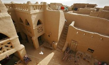 Old Towns of Djenné, Mali: precious mud village could disappear, Unesco warns | The Guardian