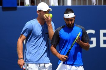 Canadian pair Philip Bester, Adil Shamasdin knock Novak Djokovic out of Rogers Cup doubles