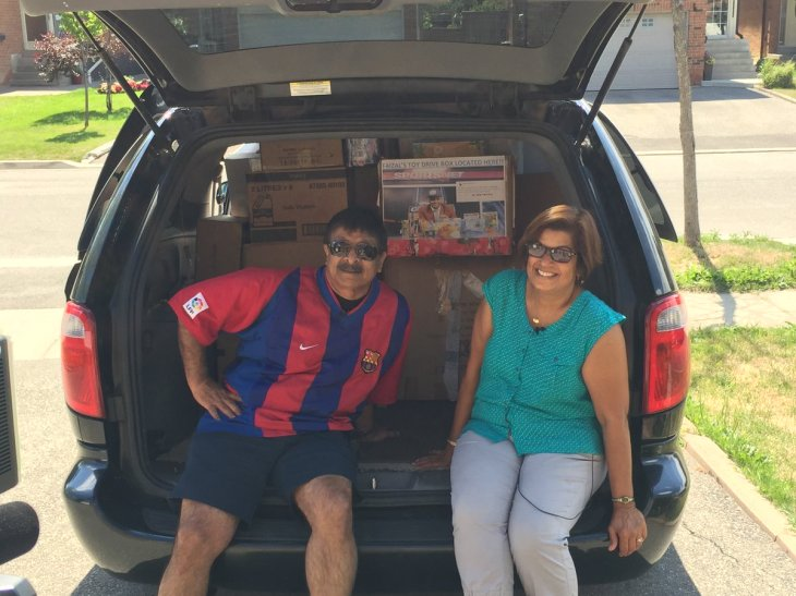 Sportsnet's Faizal Khamisa delivers 100+ Boxes of Toys to SickKids, interviews parents