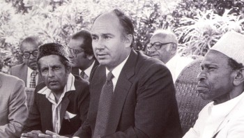 Muslim leaders meet with Mawlana Hazar Imam in Mombasa, Kenya, to request his assistance in improving their children's education. This meeting led to the establishment of the Madrasa pre-School Education Program. Photo: The Ismaili Canada, Golden Jubilee Issue