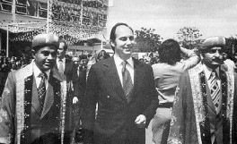 Mawlana Hazar Imam with Ismaili leaders, Nairobi, Kenya, 1976. Photo: via Pinterest