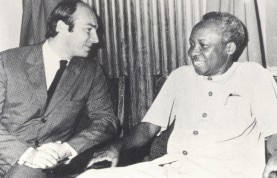 With President Julius Nyerere, Tanzania, 1961. Photo: 25 Years in Pictures