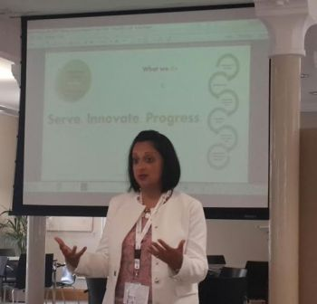 """Sajida H. Shroff presenting Altamont Group's """"Smart Education City"""" ©2016 to leading academics and economists at University of Cambridge, UK in August 2016"""