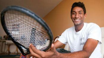 Zain Manji ends university tennis career on a high note