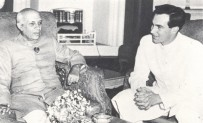 With Pandit Jawaharlal Nehru, India, 1958. Photo: 25 Years in Pictures