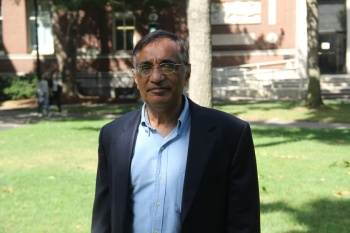 Ali Asani views religious and cultural literacy as essential to the project of democracy | Harvard Crimson