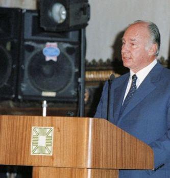 His Highness the Aga Khan at the 2001 Award presentation ceremony of the Aga Khan Award for Architecture, Aleppo, Syria, November 6, 2001