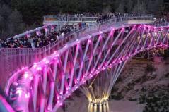 During the night. Aga Khan Award for Architecture 2016 Winner: Tabiat Pedestrian Bridge, Tehran