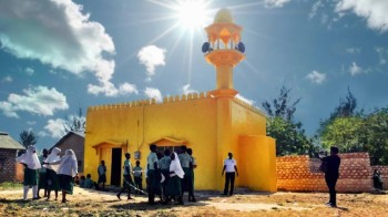 Why are Kenya's churches and mosques turning yellow? - CNN.com
