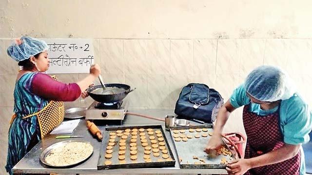Aga Khan Foundation fights malnutrition in Nizamuddin Basti with healthy snacks