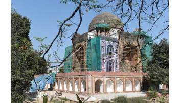 Poet Rahim's tomb regains its beauty, history and poetry