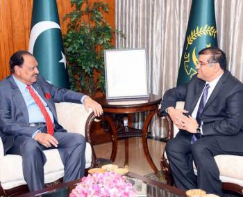 President of Pakistan lauds services of AKDN - Invites His Highness the Aga Khan to visit during his Diamond Jubilee