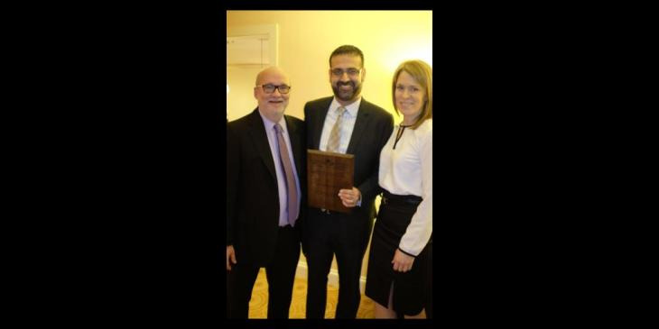 Dr. Farhan Bhanji receives award from Paediatric Chairs of Canada