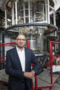 Amir Karim receives 2016 Canadian Plastics Leader of the Year Award