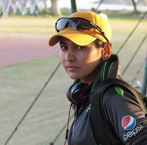 Kainat Imtiaz: Graduate of Aga Khan Higher Secondary School, Karachi represents Pakistan at the International Cricket Women's World Cup