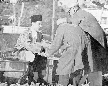 Munaajaat: Ya Aly Khoob mijaalas jeenat karke - O Aly, in the fair assembly gloriously adorned