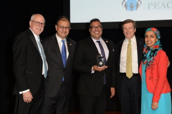 """The Mosaic Institute's 2017 Peace Patron Dinner honoring the outstanding work of His Worship Naheed Nenshi, Mayor of Calgary. (Image credit: Mosaic Institute) <a href=""""http://mosaicinstitute.ca/photo-gallery/"""" target=""""_blank"""" rel=""""noopener"""">Please click the image or here to view the evening's photobook.</a>"""