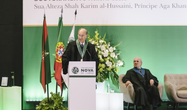 His Highness the Aga Khan delivers his acceptance remarks upon receiving an Honorary Doctorate from Universidade NOVA de Lisboa as Dr. Francisco Pinto Balsemão, Patron of the Doctorate looks on. (image credit: AKDN/Antonio Pedrosa)
