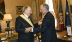Portugal's President Marcelo Rebelo de Sousa presents His Highness the Aga Khan with one of Portugal's highest honours – the Grã-Cruz da Ordem da Liberdade, or Grand Cross of the Order of Liberty – in recognition of his service to uplifting lives around the world. (image credit: AKDN/Antonio Pedrosa)
