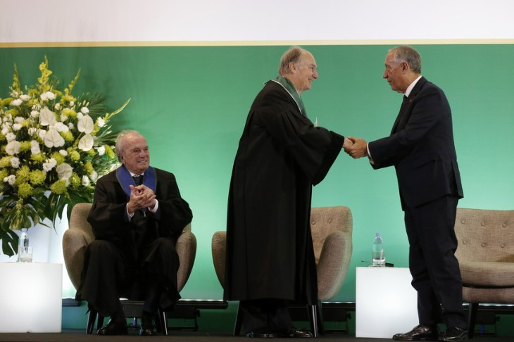 His Highness Prince Karim Aga Khan was distinguished by the Universidade NOVA de Lisboa with the title of Doctor Honoris Causa and decorated with the Order of Liberty by the President of the Republic, His Excellency Marcelo Rebelo de Sousa (image credit: JOSÉ CARIA/Expresso)