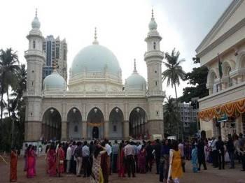 Video: Ismailis celebrate 60th year of Aga Khan's Imamat in Mumbai