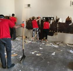 Murad Kajani travels from Chicago to Texas, volunteering for Hurricane Harvey cleanup effort