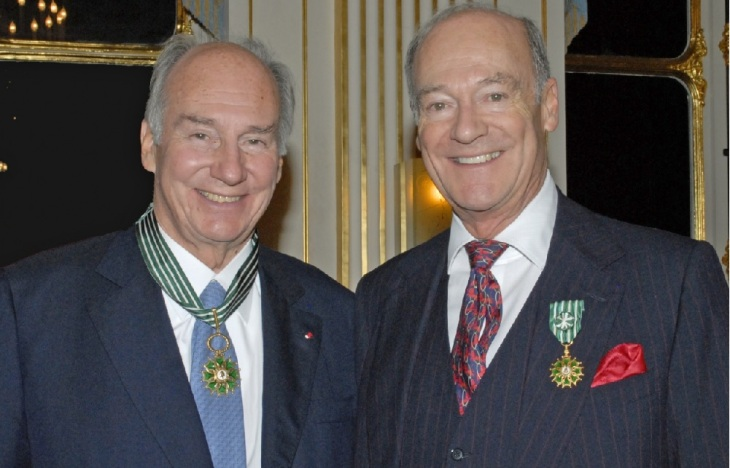 2010-11-09: The Government of France conferred honours on His Highness Prince Karim Aga Khan (l) and Prince Amyn (r) for their contributions to culture, both personally and through the activities of the Aga Khan Development Network at the Ministry of Culture in Paris,. (Image credit: FARIDA BRÉCHEMIER GUERDJOU / MCC)