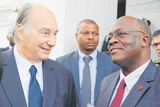 Aga Khan left, President Magufuli right