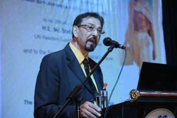 Dr Mohamed Keshavjee delivering the Seventh Gandhi Memorial Trust lecture at the Lake Club auditorium in Kuala Lumpur, Malaysia. Photo credit: Parvaiz Machiwala