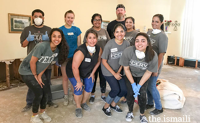 Ismaili Muslim Leader Gathers 2,500 Volunteers for Hurricane Harvey Response | Points of Light