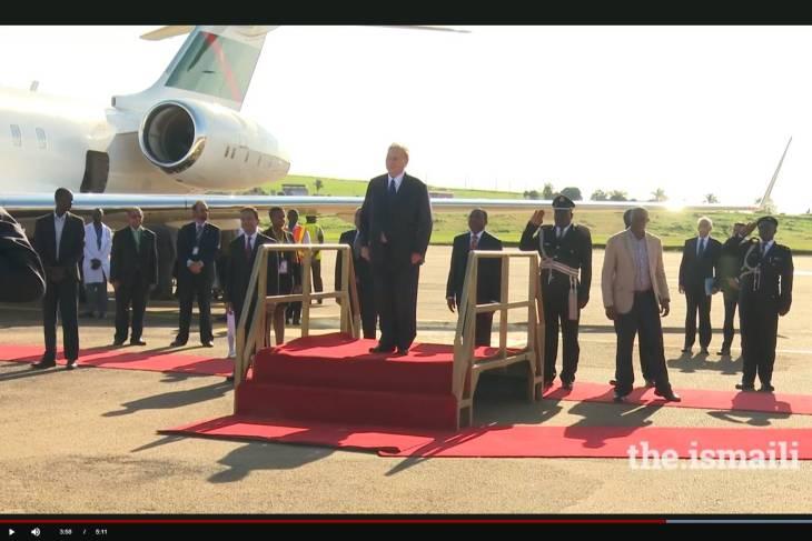 Video: Mawlana Hazar Imam arrives in Uganda