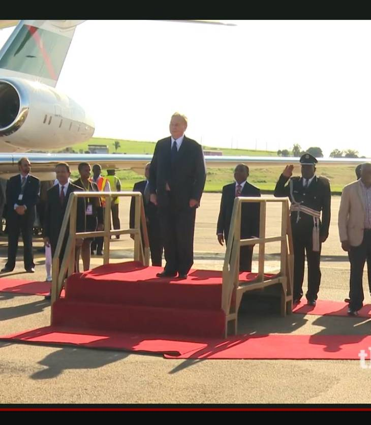 Video: Mawlana Hazar Imam arrives in Uganda