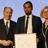 Dawn Pakistan: Aga Khan presents Global Pluralism Award