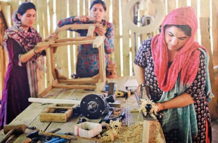 Aroosa and Farhad Hakim Ally:Photographers seeks to change Pakistan's image