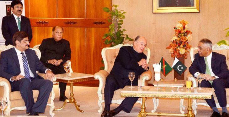Governor, CM welcome Prince Karim Aga Khan at Karachi airport | Business Recorder