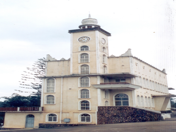 FORT PORTAL JAMATKHANA: The 12 Rare Images of Jamatkhanas in Uganda