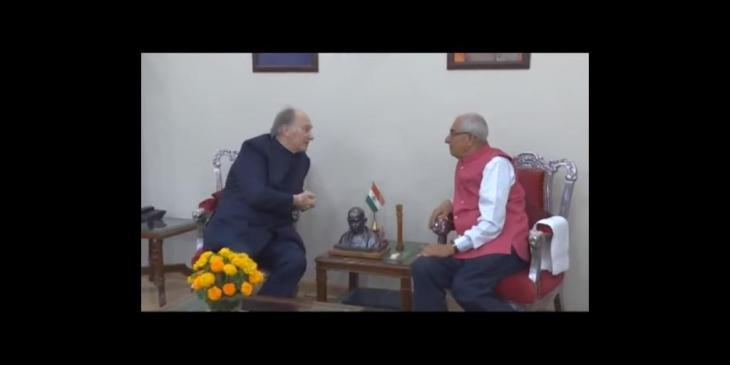 His Highness Prince Karim Aga Khan meets Honorable Governor of Gujarat (Video)