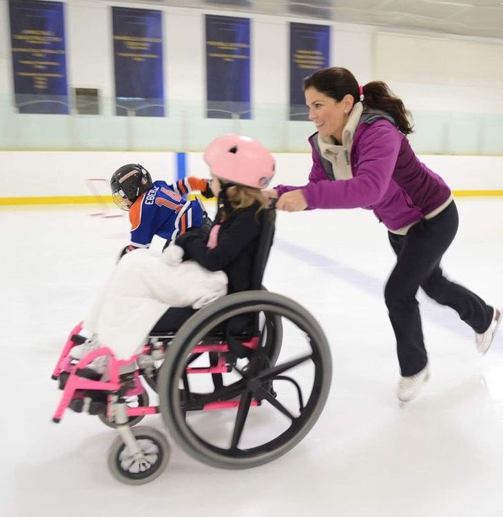 Olympic medallist Jamie Sale and Shakeel Gaidhar give kids a twirl