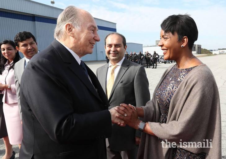 Mayor Keisha Lance Bottoms bids farewell to His Highness the Aga Khan as he departs Atlanta